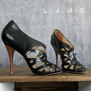 L.A.M.B. Tammy Heels in Black leather & Gold 😍